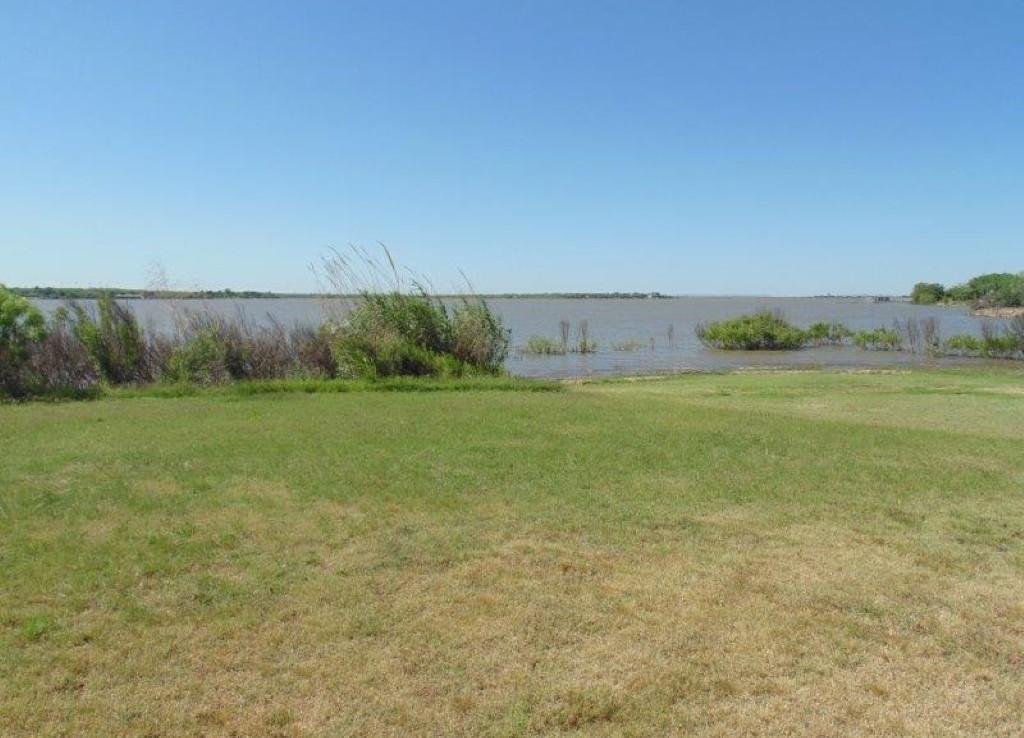 Lake Lot in Jones County