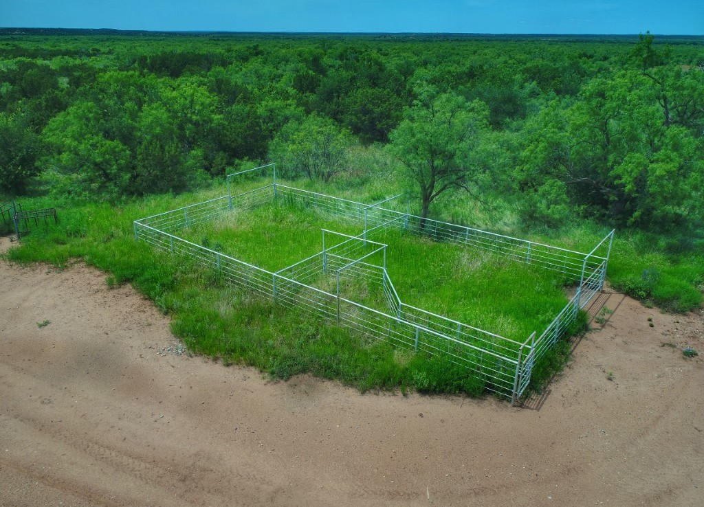 358 acres in Knox County