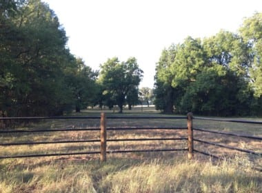 907 acres in Red River County