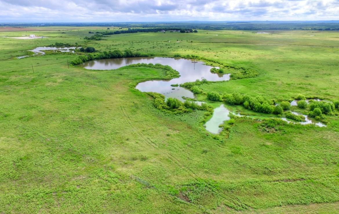 515 acres in Montague County