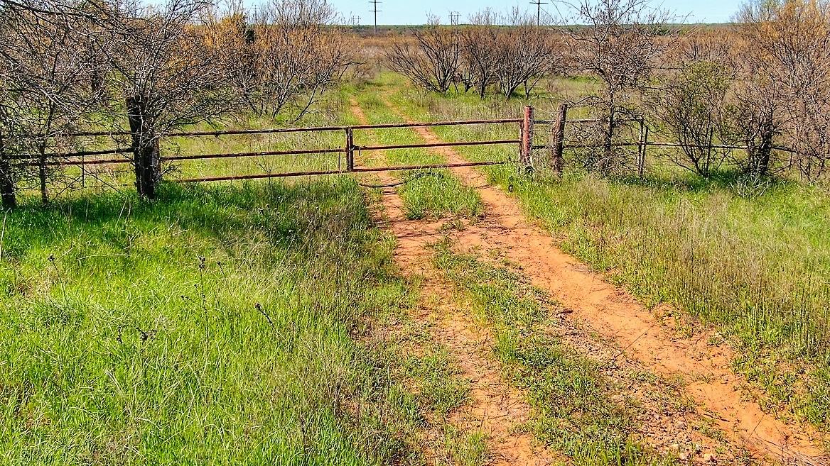 960 acres in Hardeman County