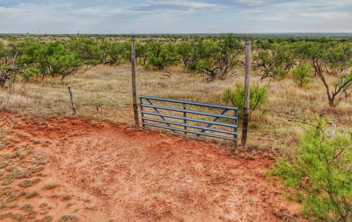 960 acres in Collingsworth County