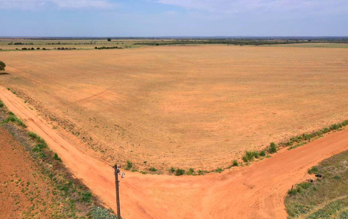100 acres in Foard County