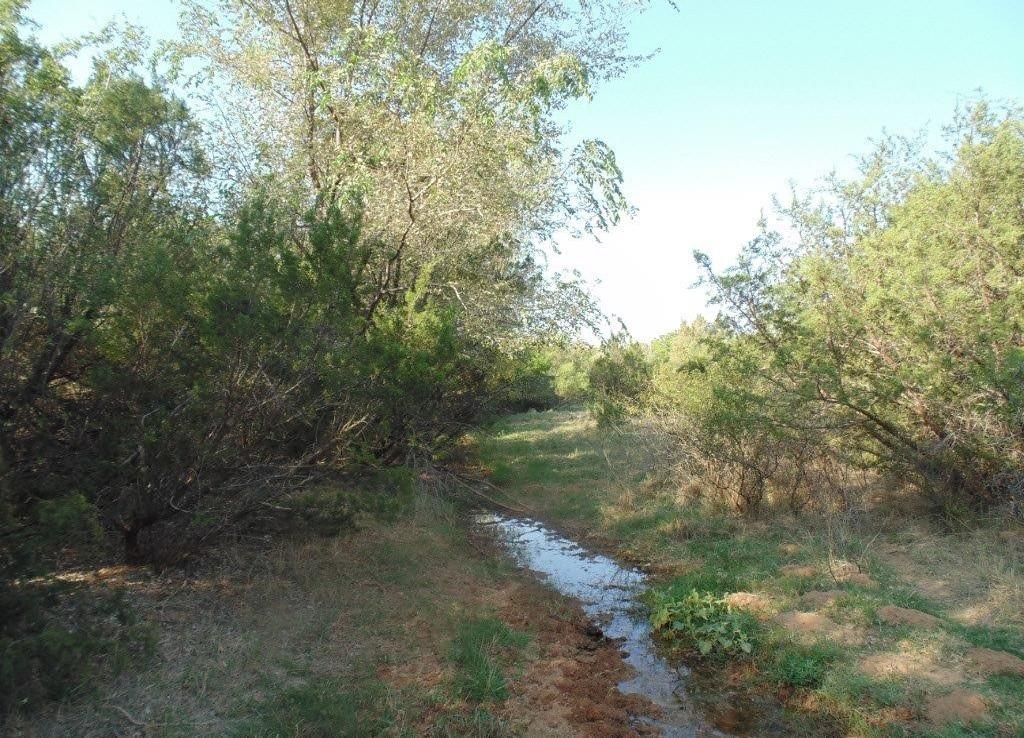 800 acres in Motley County
