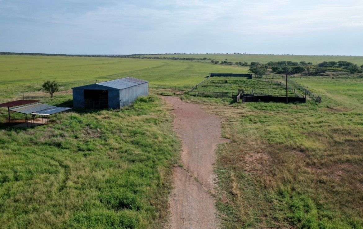 640 acres in Knox and King County